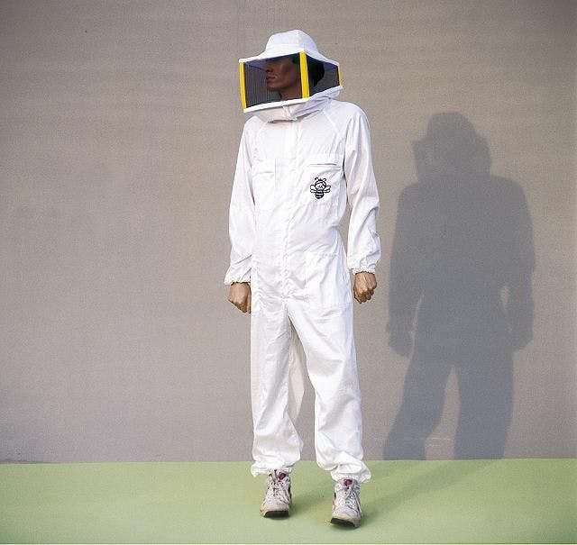 White jumpsuit size XL with square mask Lega