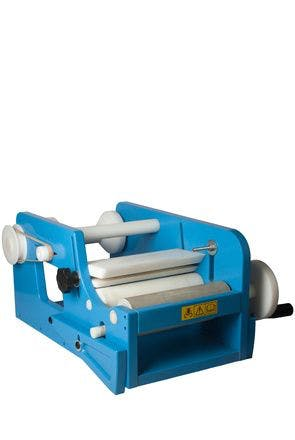 Manual labeling machine